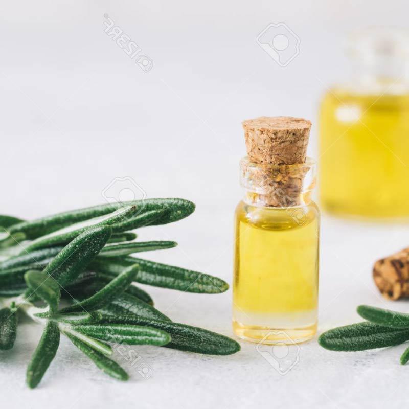 Algunos-usos-del-aceite-esencial-de-romero